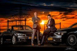 Familie Portret fotoshoot vader en zoon en hun BMW