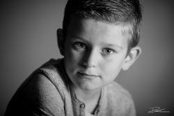 Familie Portret zoon zwartwit kind-1