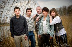 Familieportret familiefoto in het riet-2