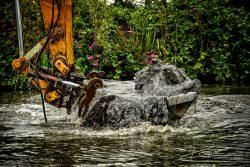 Baggerwerkzaamheden op de IJssel. Fotograaf Rogier Bos