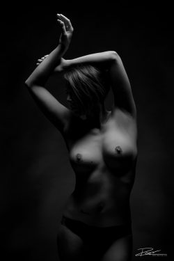 Model fotoshoot topless-1