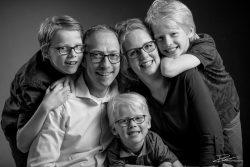 Particulier-familieportret Zwartwit in studio Rotterdam-1
