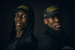 Portretten van twee voetbal broertjes door Fotograaf Rogier Bos