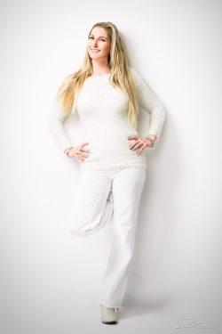 Portret Charlene wit op wit