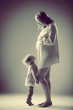 Zwangerschapsshoot met kinderen in studio-1