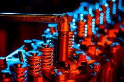 Industriële fotografie: reparatie van een motorblok