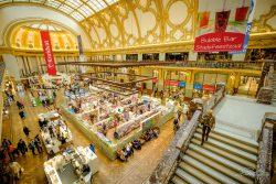 Shopping in de Stadsfeestzaal, Antwerpen
