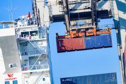 Industrieel - haven van Rotterdam - rijdag-18
