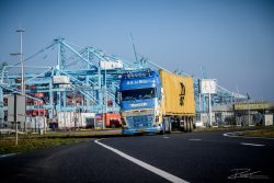 Industrieel - haven van Rotterdam - rijdag-20