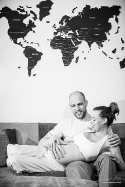 Maternity shoot for an expat couple in Rotterdam