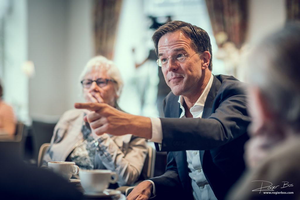Premier Rutte op bezoek in Barthelomeüs gasthuis in Utrecht. Ook dit is een vorm van event-fotografie.