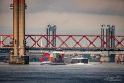 Binnenvaartschepen bij Spijkenisserbrug