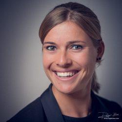Portret LinkedIn dame met glimlach