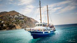 Verkeer - zeilboot voor Griekse kust