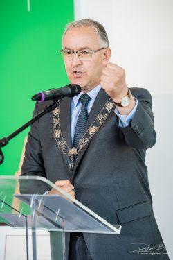 Portret van de burgemeester van Rotterdam, dhr. Aboutaleb