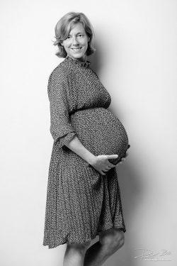 Zwangerschapsshoot in de studio