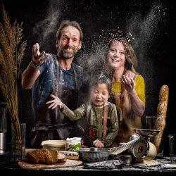 Familieportret - Creatief met meel - plaat voor boven de eettafel