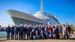 groepsfoto voor SS Rotterdam