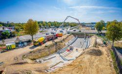 Drone fotografie van betonstort van een nieuwe tunnel