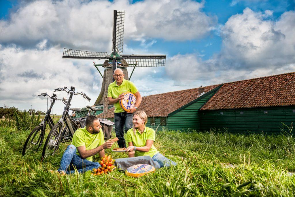 Teamfoto met een Nederlandskarakter