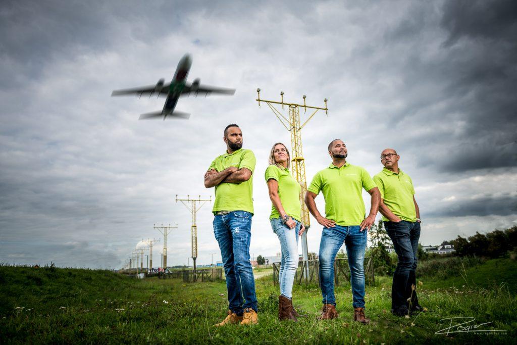 Groepsfoto voor bedrijf actief in de logistiek