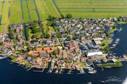 Luchtfotografie-dorp en watersport