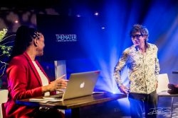 Event fotografie van online streaming Event met dagvoorzitter Frenk vd Linden in Isalatheater