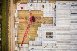 Dronefotografie van betonbouw van boven