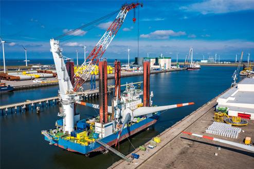 Dronefoto van haven - industriële fotografie door industrieel fotograaf